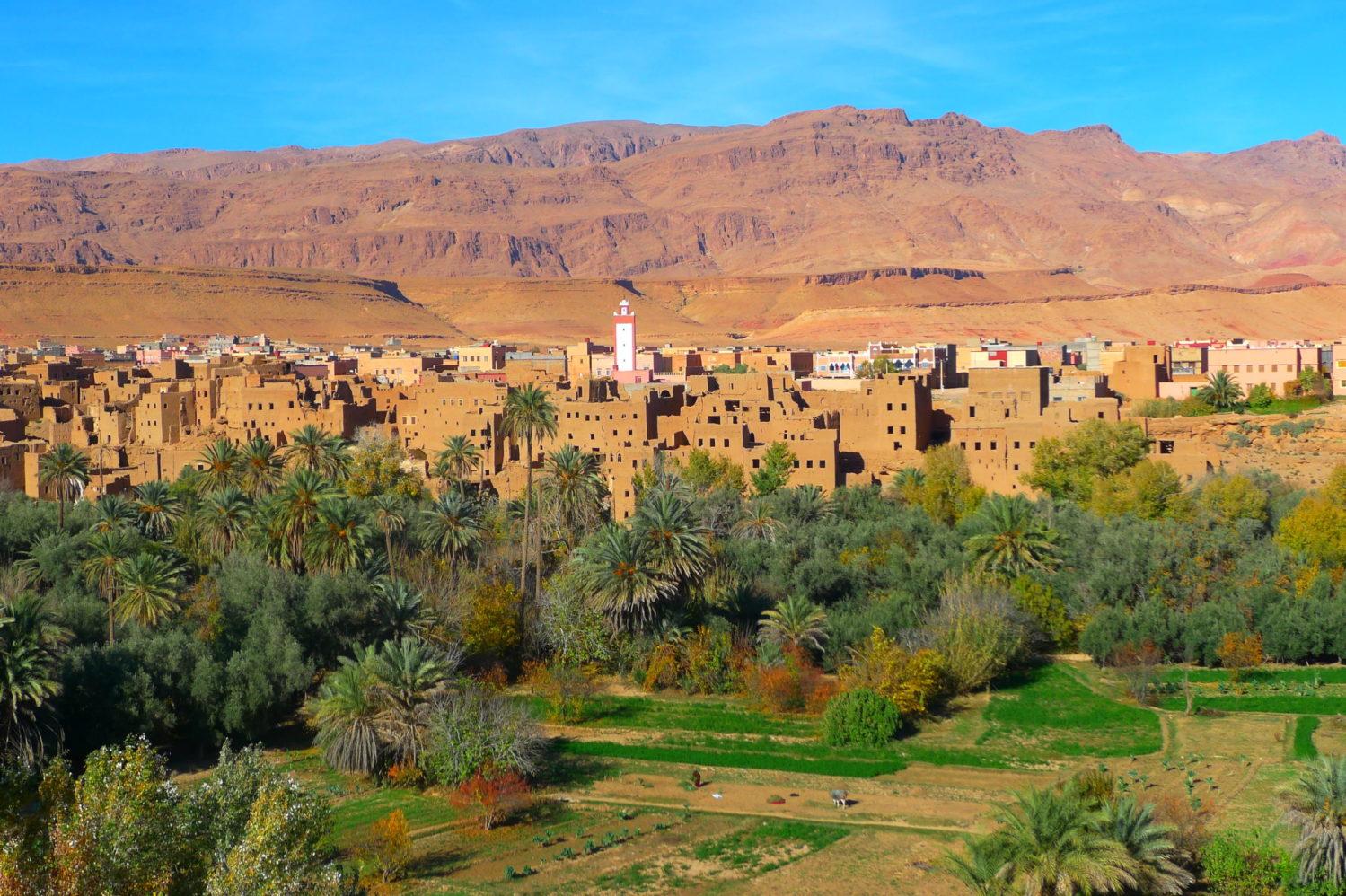 Miasteczko przy drodze 1000 kazb, Południowe Maroko
