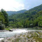 Dziki rzeka w dzikich górach - Neretva, Bośnia