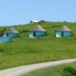 Kolorowe domki ludu Khosa na Dzikim Wybrzeżu