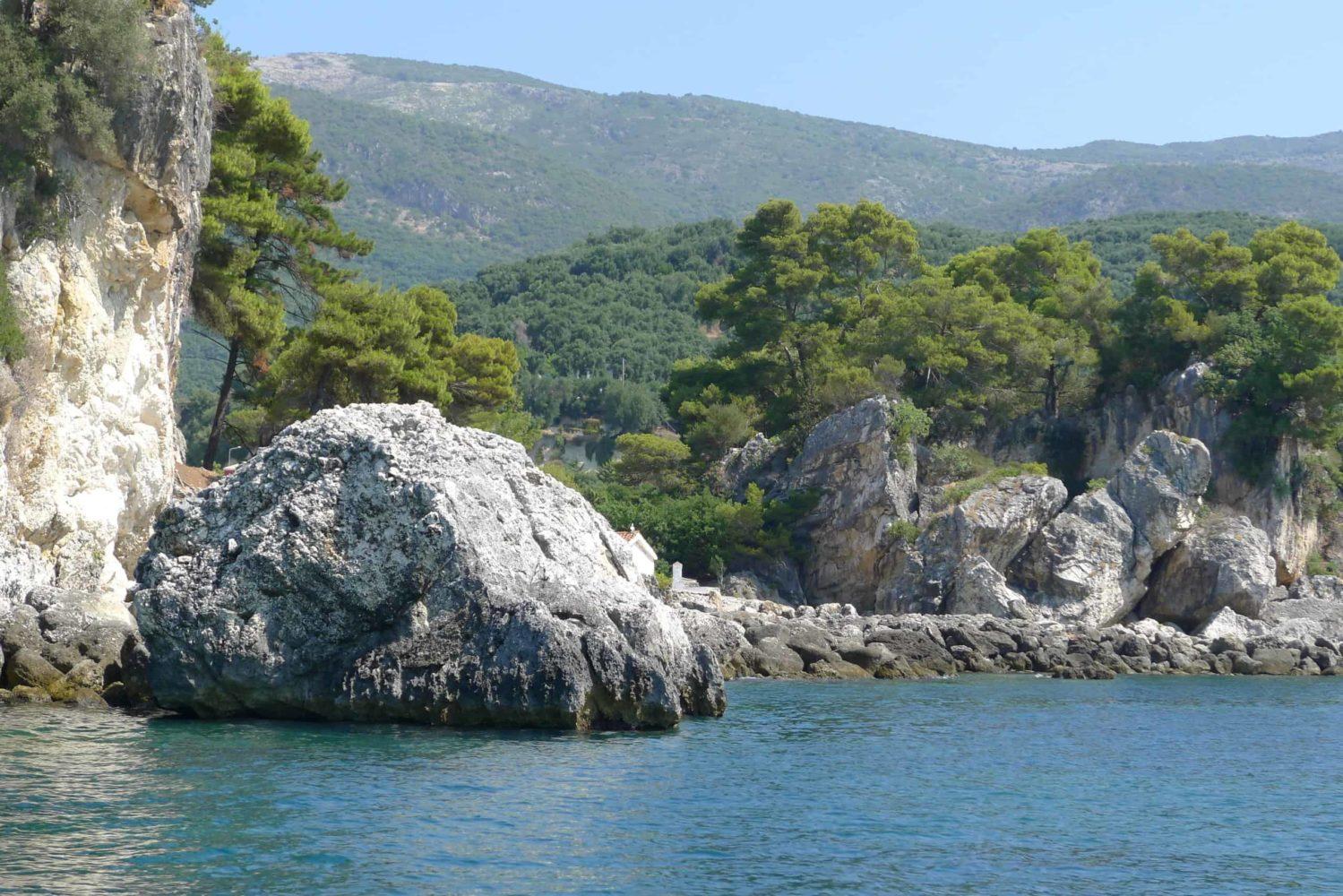 Epir. Skaliste ybrzeże
