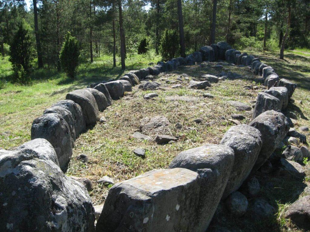 Grobowiec w ksztalcie łodzi Gotlandia