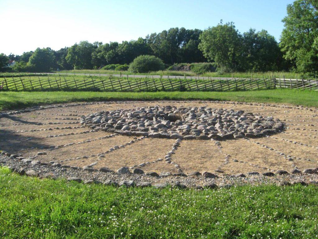 Grobowiec w kształcie zegara słonecznego Gotlandia