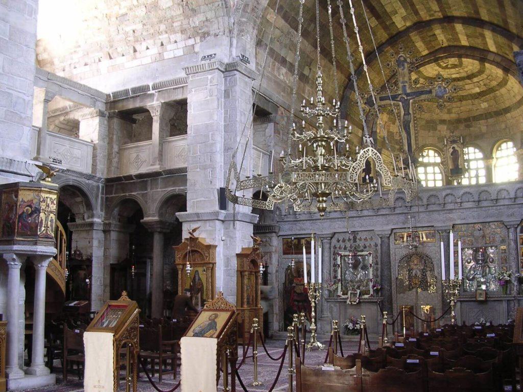 Wnętrze prawosławnego kościoła na Paros