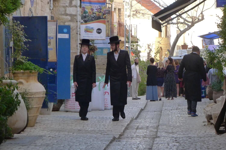 spacer ulicami w Safed, Północny Izrael