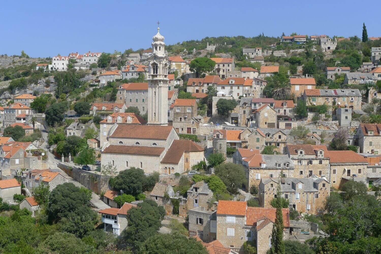 Kamienne miasteczko Ložišća wyspa Brać