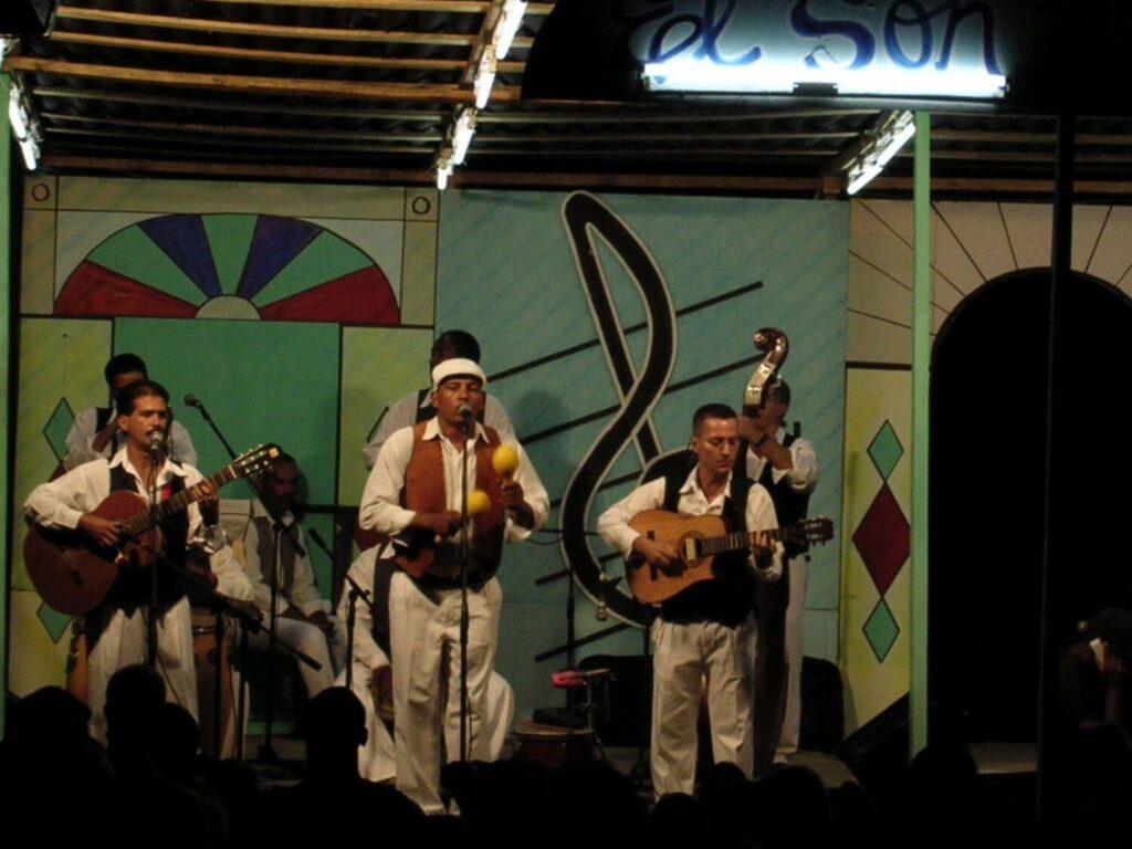 Scena główna koncertu, Trinidad Kuba