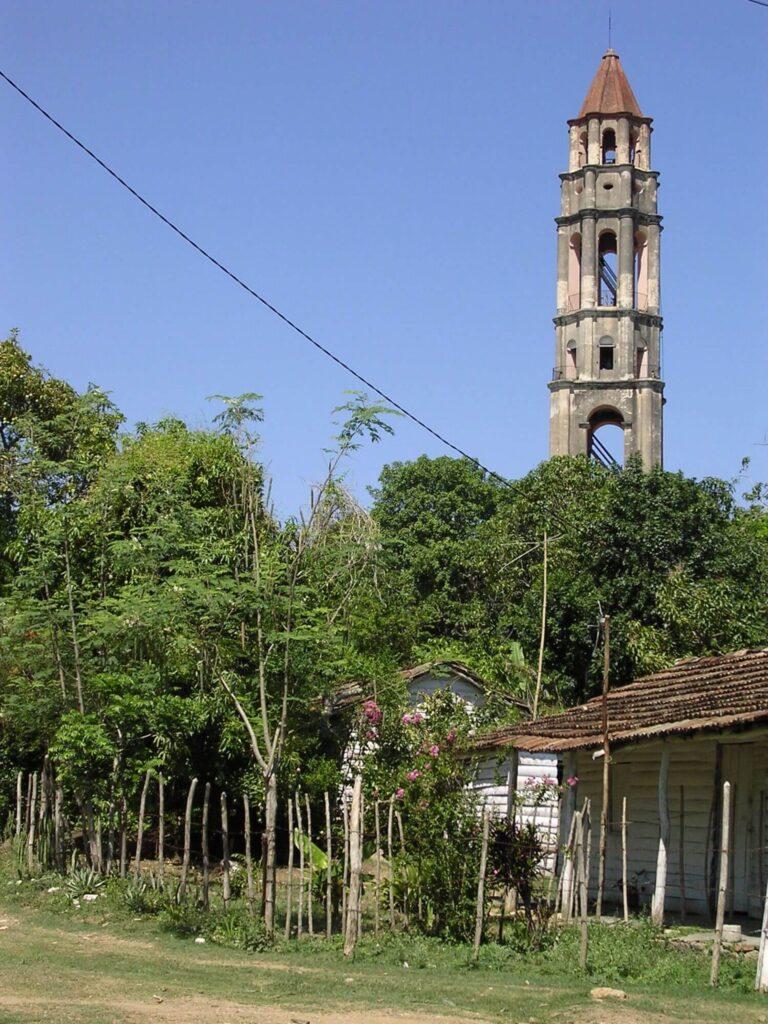 Wieża, z której pilnowano niewolników, plantacja Manzaga koło Trinidadu